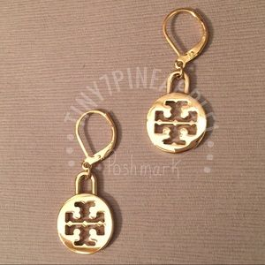 🌿🌹🌿 TORY BURCH CHARMS w/ GOLD EARRINGS
